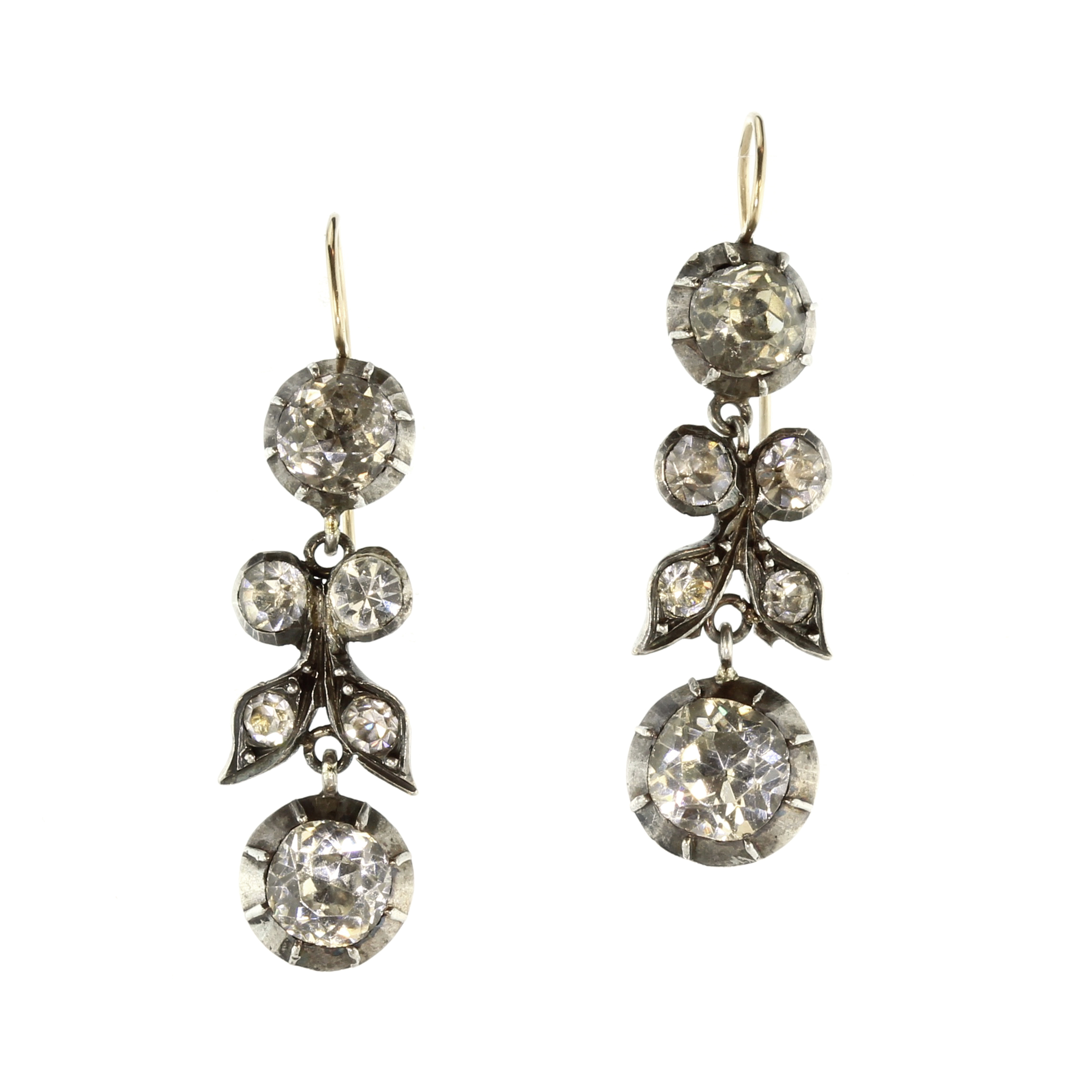 Los 15 - A pair of antique Georgian French Paste drop earrings in Sterling Silver each formed as a pendant