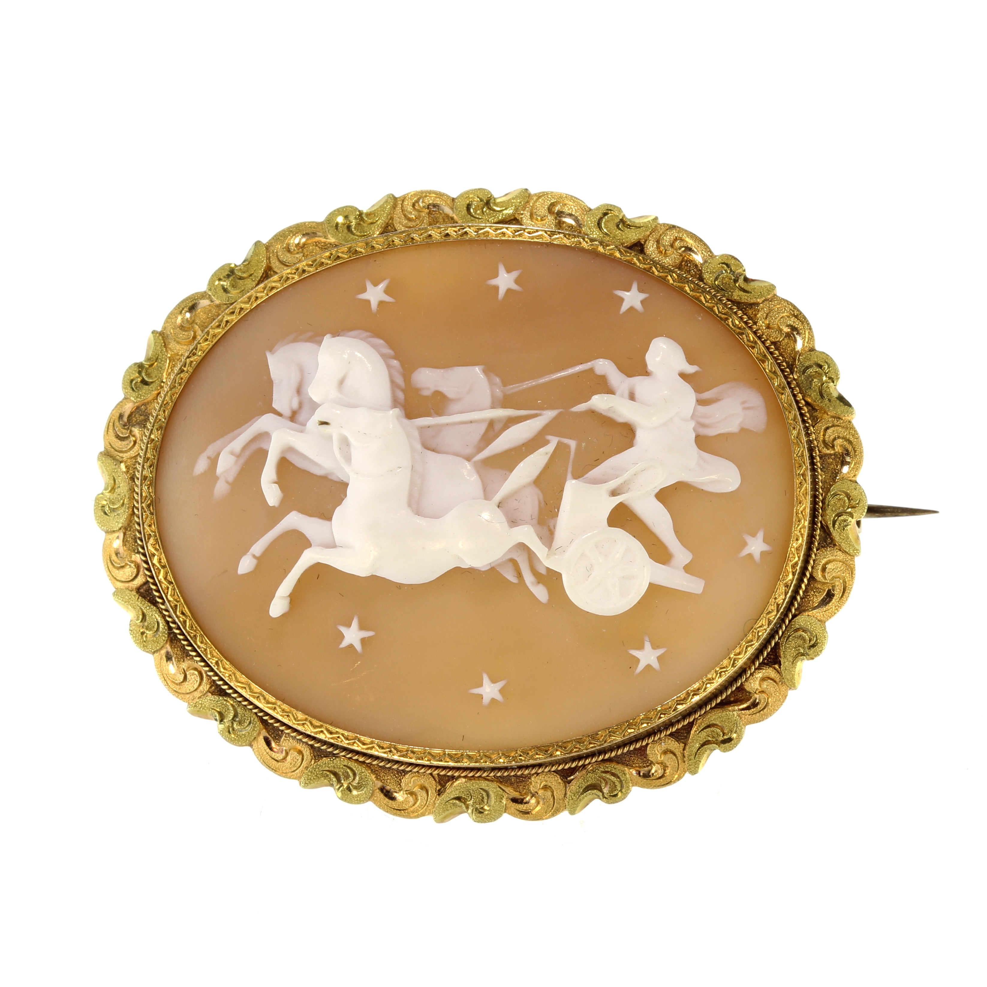 Los 2 - A fine antique carved cameo brooch in high carat two colour gold designed as a large oval cameo