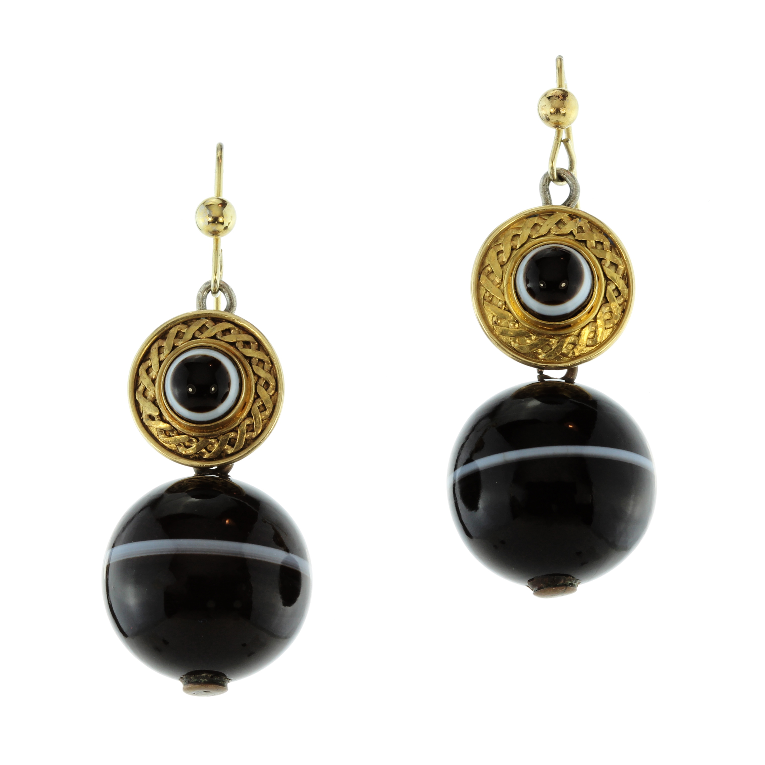Los 42 - A pair of antique Victorian banded agate earrings each designed as a large banded agate bead,