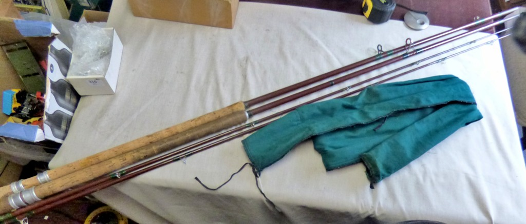 Lot 14 - (2) Fibre Rod - (2) section - 10ft rods(in green case)