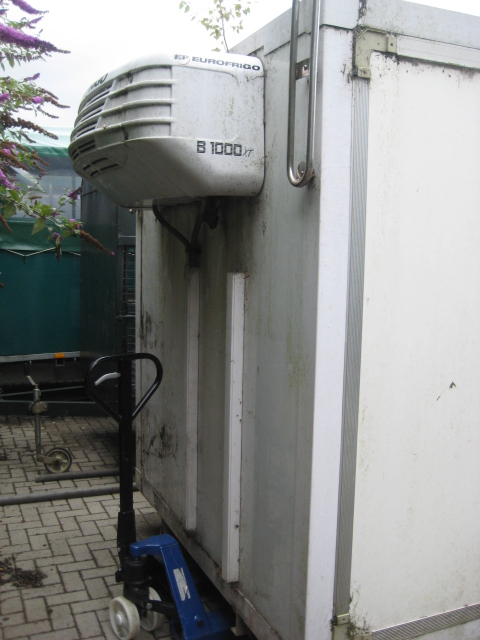 Large twin compartment demountable chiller with internal partition and Euro Frigo B1000XT compressor - Image 3 of 4