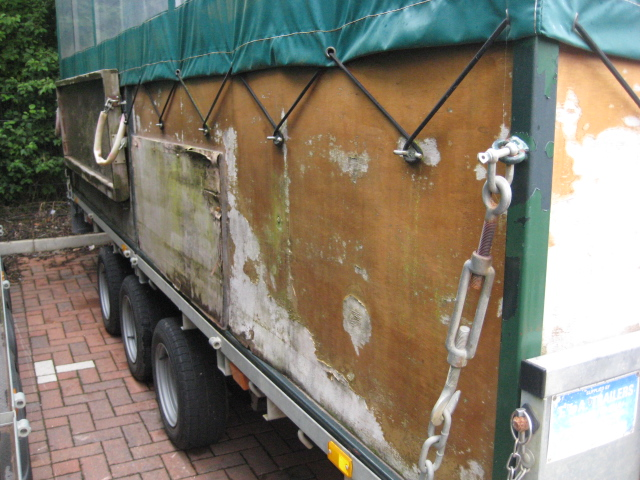 Ifor Williams LM166 tri-axle Beater's trailer, with interior bench seating, removable cover, first - Image 3 of 10