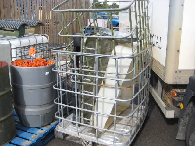 IBC water container (top cut away) together with 2 part IBC cages, etc - Image 2 of 2