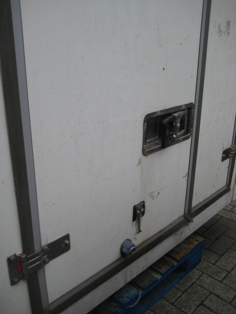 Large twin compartment demountable chiller with internal partition and Euro Frigo B1000XT compressor - Image 2 of 4