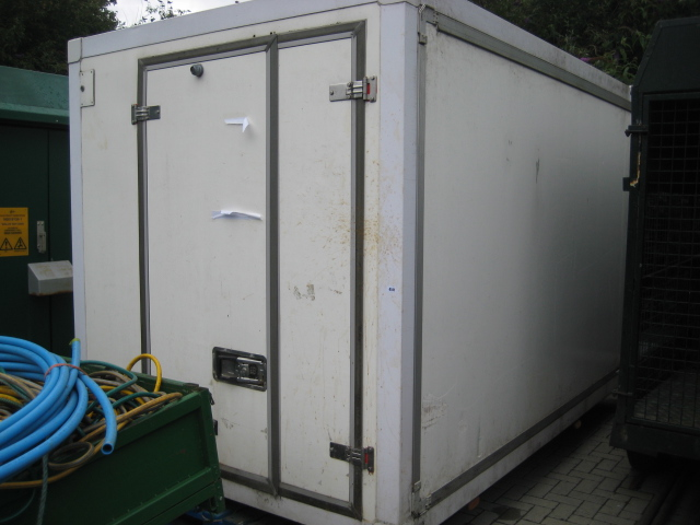 Large twin compartment demountable chiller with internal partition and Euro Frigo B1000XT compressor