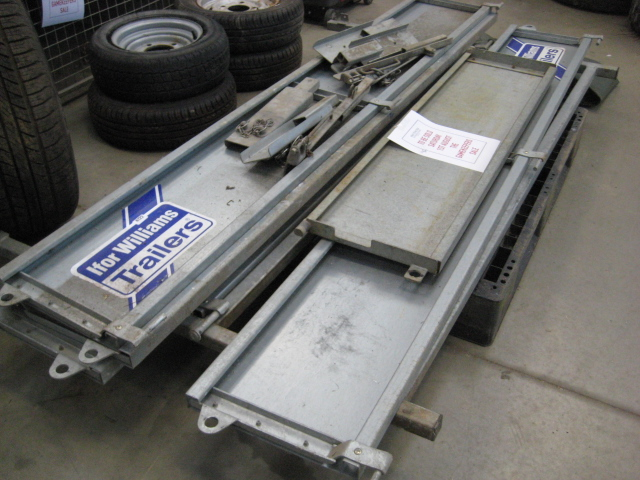 Sides, support posts, tailgate and ladder rack for Ifor Williams LM186 trailer