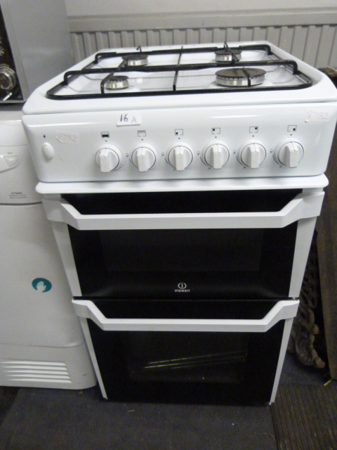 Lot 16a - Indesit Gas Oven