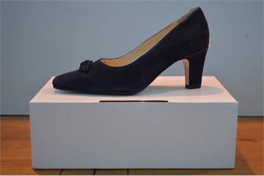 18964f41513 BOXED BRAND NEW JOHN LEWIS BRANCASTER MARINE NAVY SUEDE LADIES SHOES ...