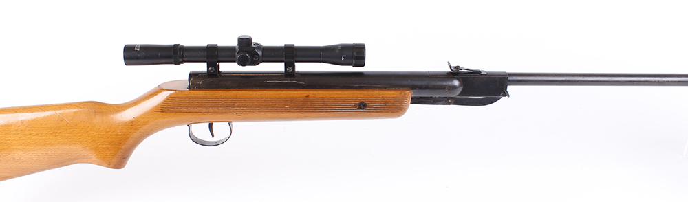 Lot 302 - .22 Relum break barrel air rifle, mounted Hawke scope, no. 81771 [Purchasers please note: This Lot