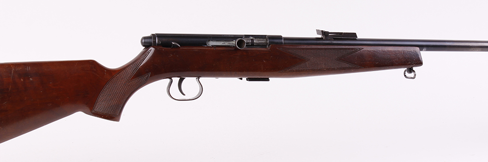 (S1) .22 Krico Model 260 semi automatic rifle, 22 ins threaded barrel (capped), hooded blade