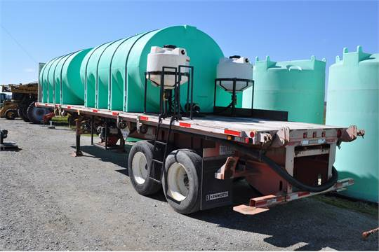 2007 32' Fontaine semi spray-tender trailer, w/ (2) 3300