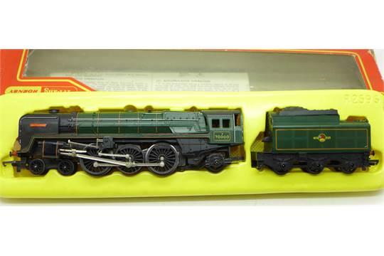 A Tri-ang Hornby R259S Britannia locomotive, with R35 Tender