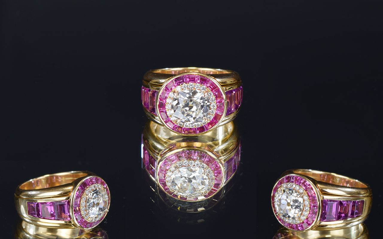 Lot 50 - 18 Carat Yellow Gold Set Top Quality And
