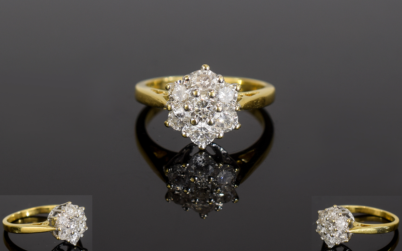 Lot 72 - 18ct Gold Diamond Cluster Ring with a Fl