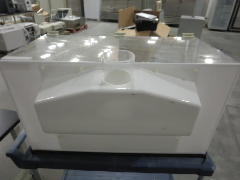 Lot 23 - Flow Sciences FS2015BKGVA 3' Vented Balance Safety Enclosure