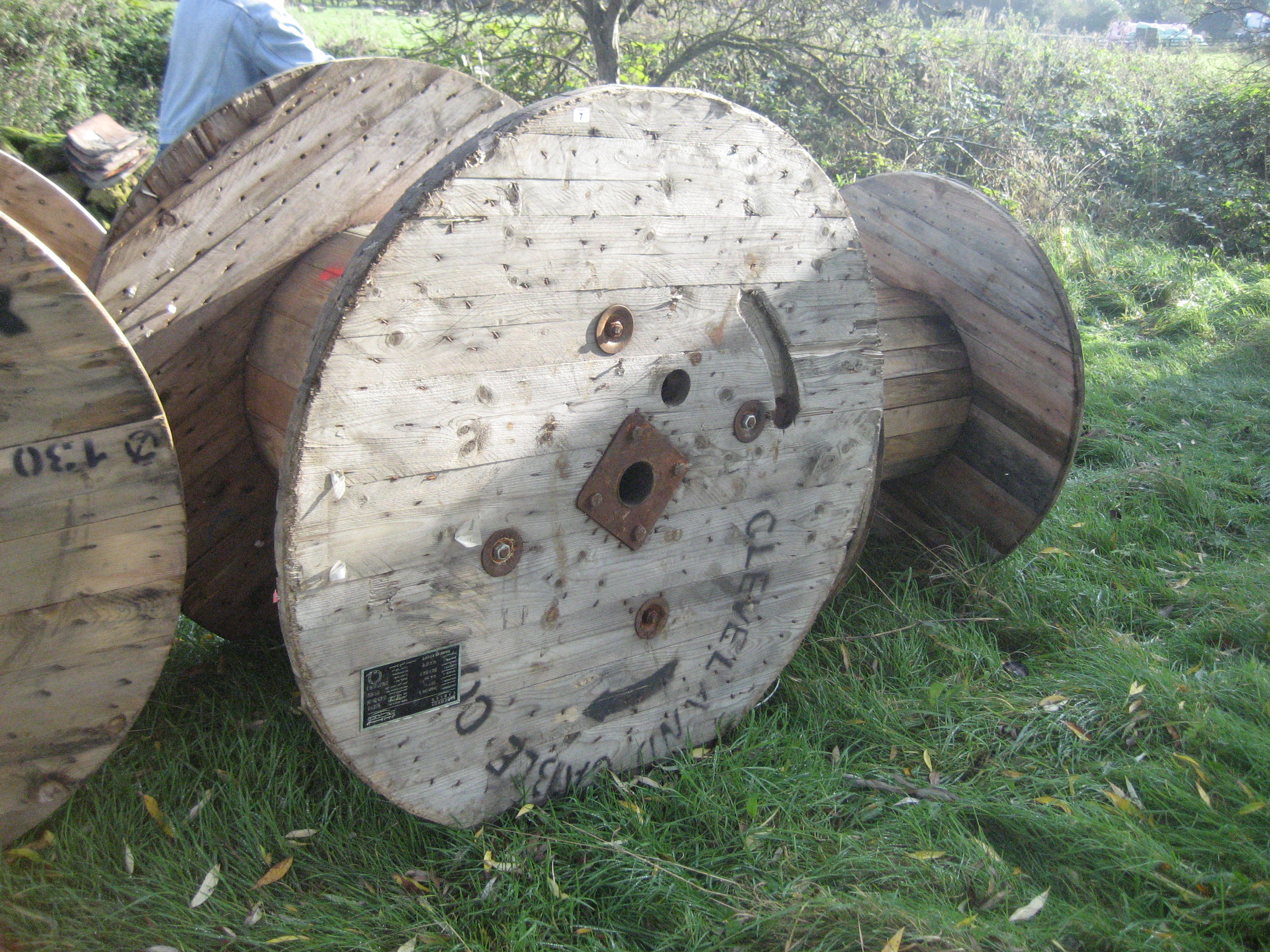 Lot 7 - WOODEN CABLE REEL