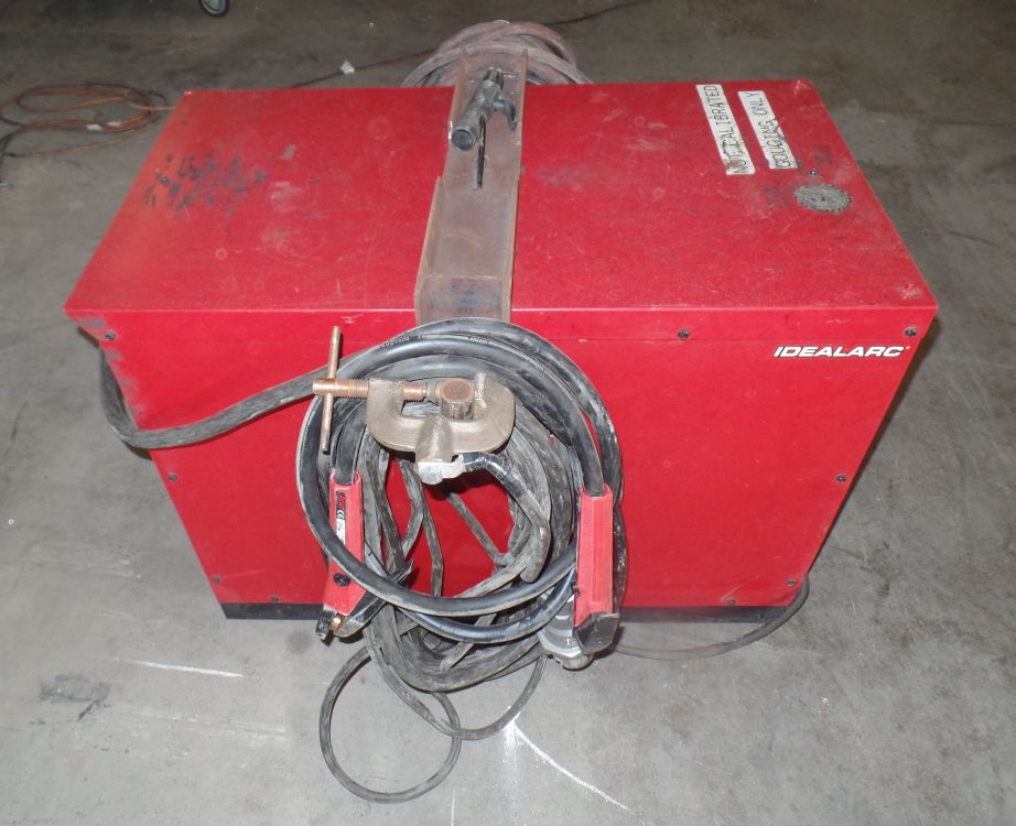 Lot 54 - Lincoln IdealArc DC600 Welder s/n U1130406304