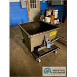 1/2 YARD WRIGHT SELF DUMPING HOPPER