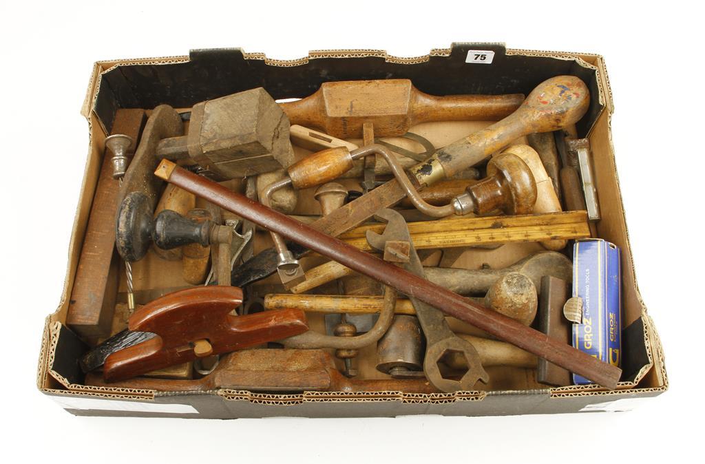 Lot 75 - A box of tools G