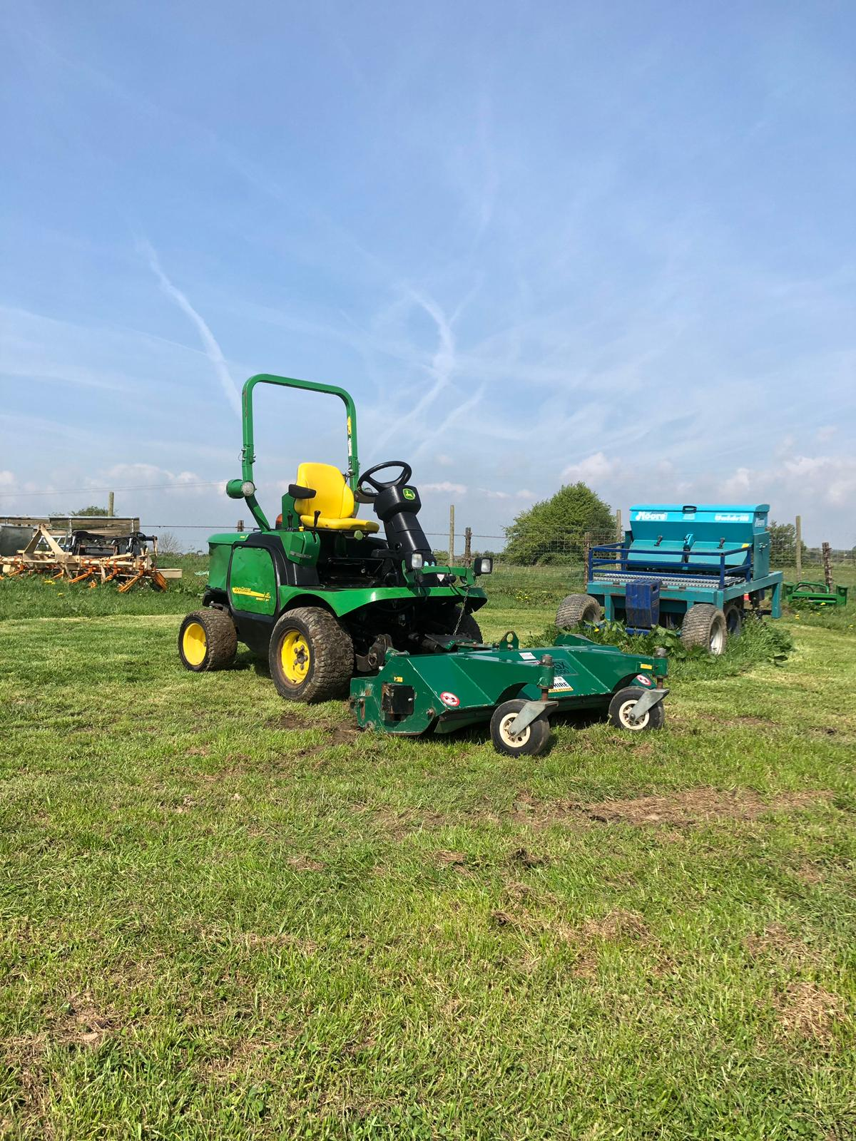 Lot 120 - JOHN DEERE 1445 RIDE ON LAWN MOWER WITH FLAIL MOWER, YEAR 2008, RUNS, WORKS AND CUTS *PLUS VAT*