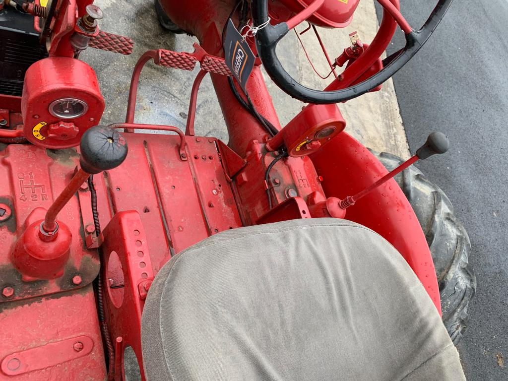 Lot 74 - McCORMICK FARMALL A SERIES TWIN POWER TRACTOR, RUNS, DRIVES AND WORKS *PLUS VAT*