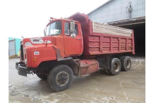 1979 Mack Tractor Truck : Mack diesel tandel axle dump truck vin dmm s