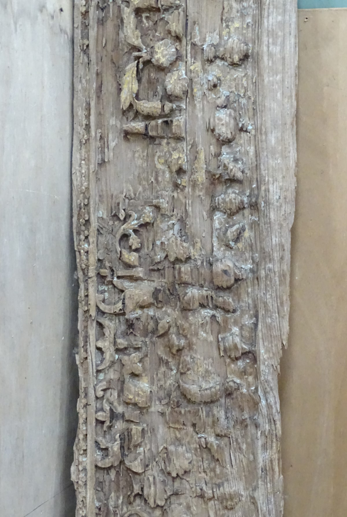 An old carved oak panel CONDITION: Please Note - we do not make reference to the - Image 3 of 3