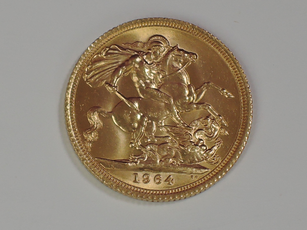 Lot 669 - A gold 1964 Great Britain Elizabeth II Sovereign, in plastic case