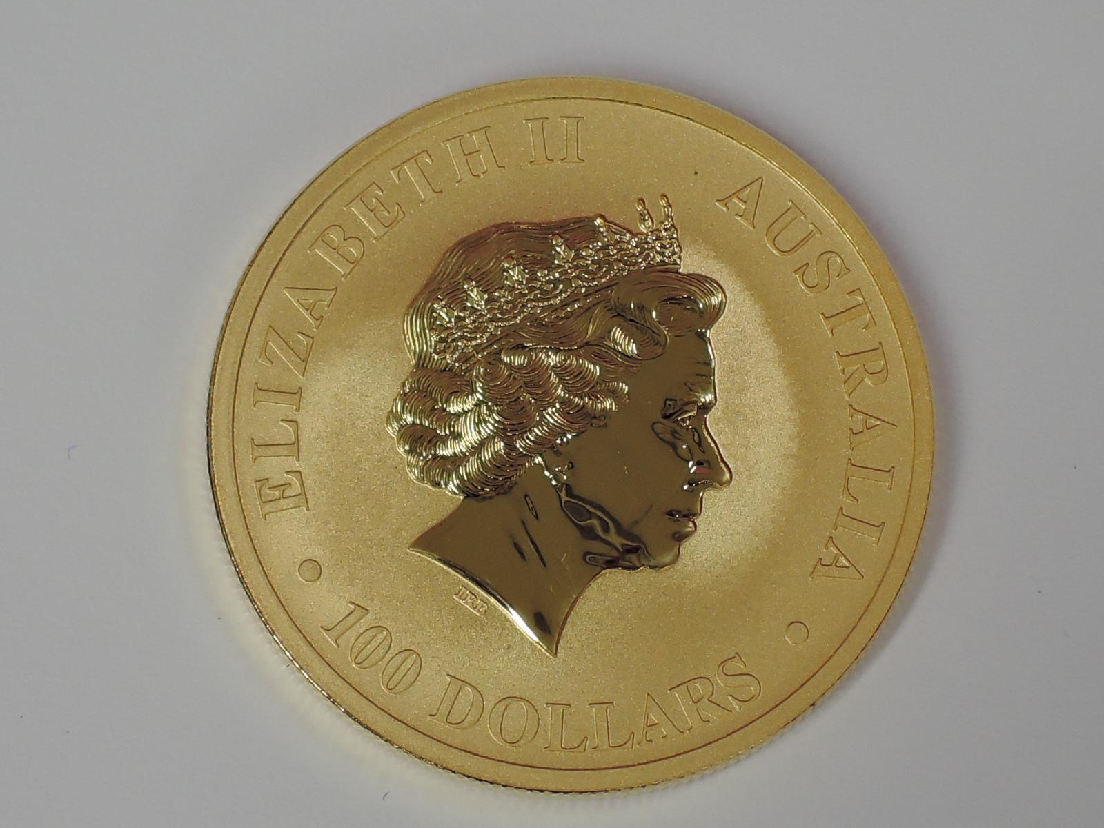 Lot 607 - A gold 1oz 2014 100 dollar Australian Kangaroo coin, in plastic case