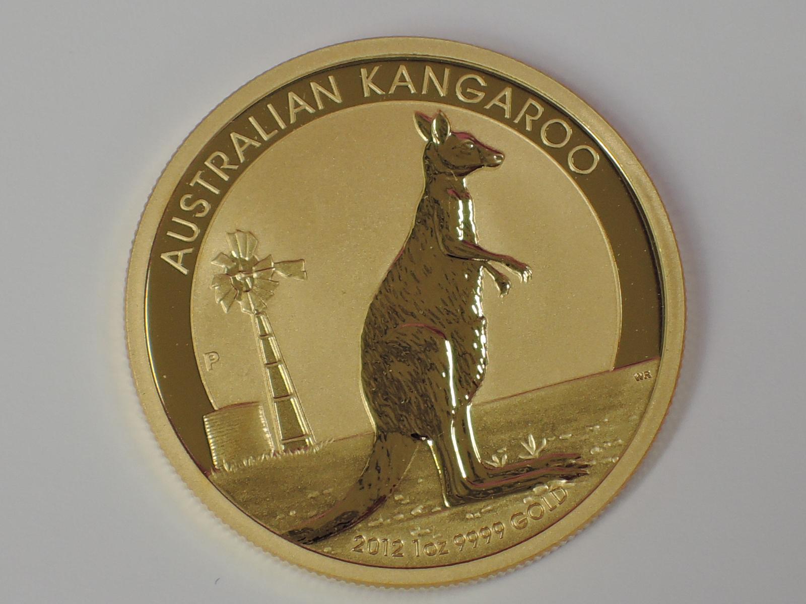 Lot 605 - A gold 1oz 2012 100 dollar Australian Kangaroo coin, in plastic case