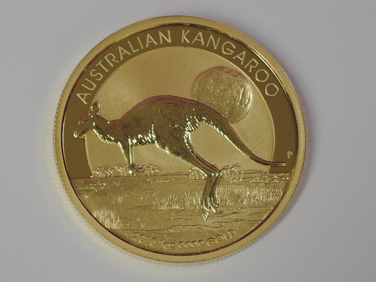 Lot 608 - A gold 1oz 2015 100 dollar Australian Kangaroo coin, in plastic case