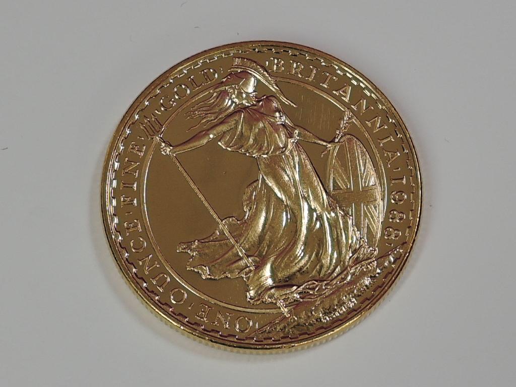 Lot 631 - A gold 1oz 1988 Great Britain Britannia 100 pound coin, in plastic case