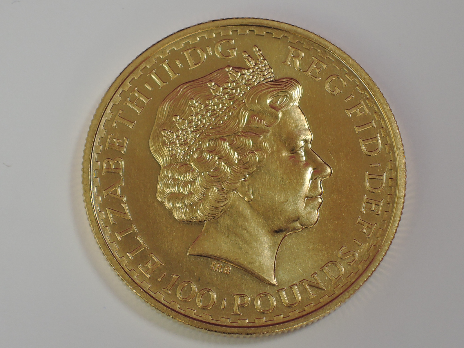 Lot 634 - A gold 1oz 2000 Great Britain Britannia 100 pound coin, in plastic case