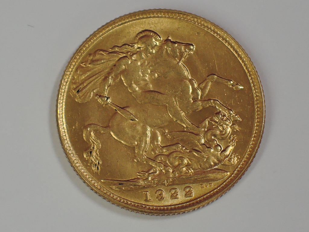 Lot 659 - A gold 1922 Great Britain George V Sovereign, in plastic case, Perth Mint