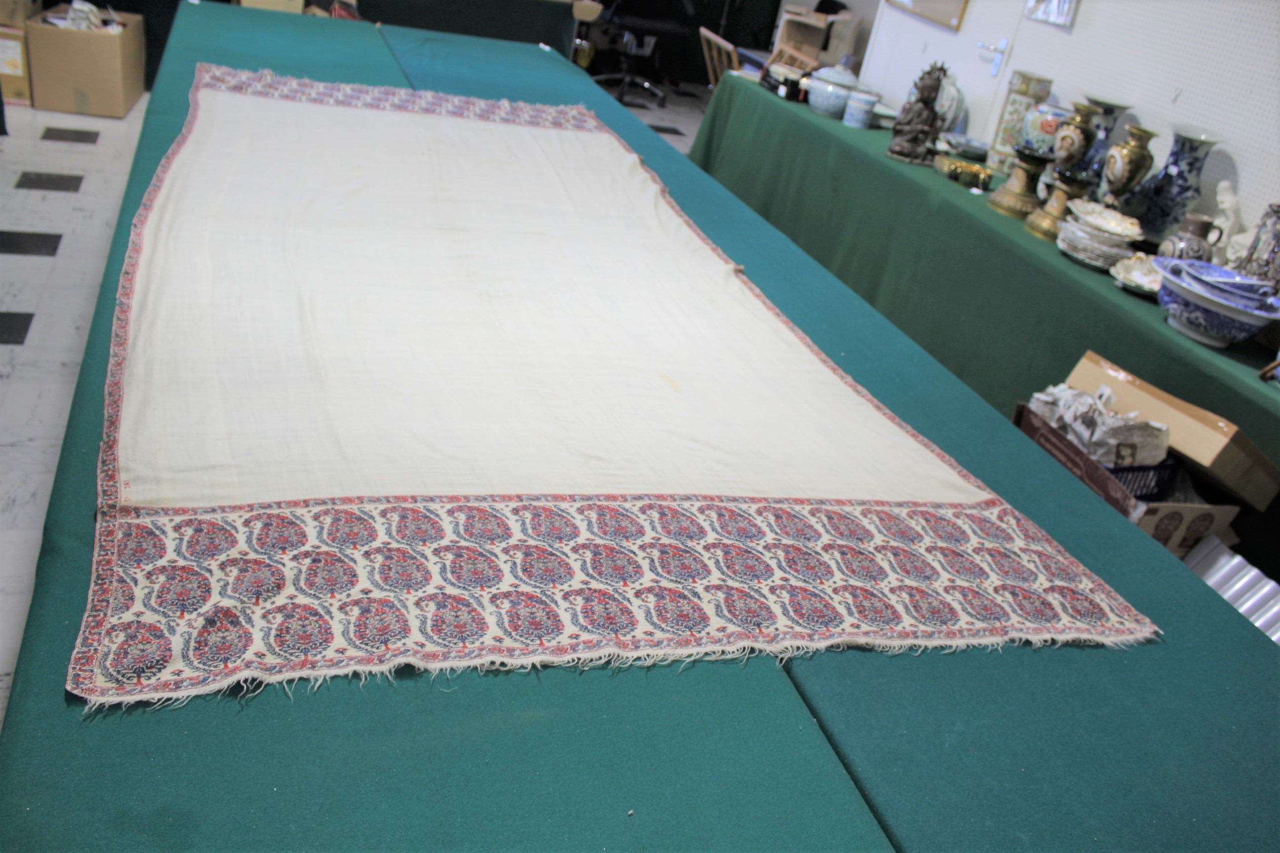 19THC PAISLEY SHAWL a mid 19thc paisley wool cashmere shawl (264cms by 126cms), and also with a fine - Image 3 of 9
