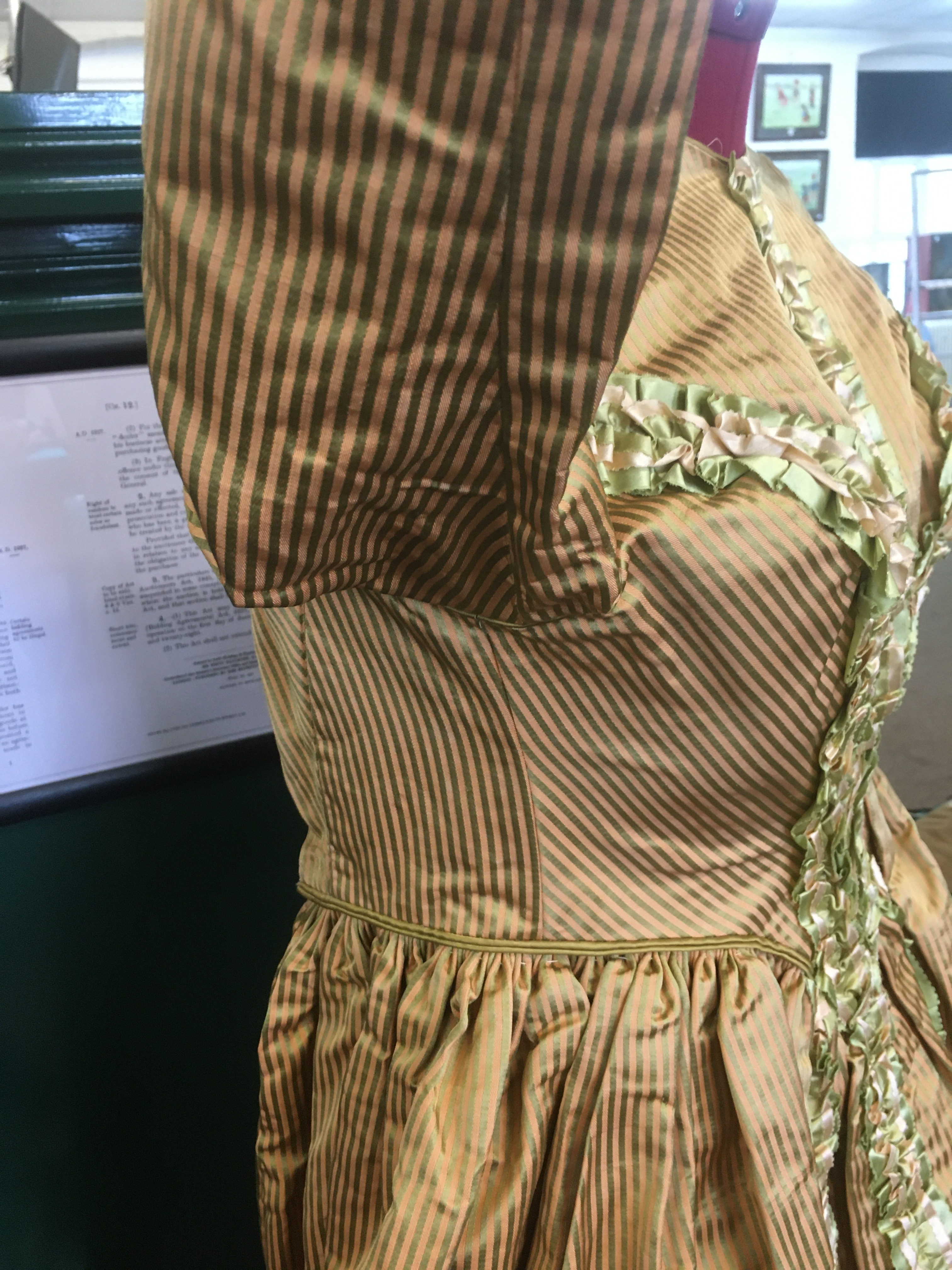 19THC SILK LADIES DRESS a mid 19thc apricot and olive green striped silk dress, decorated with - Image 3 of 9