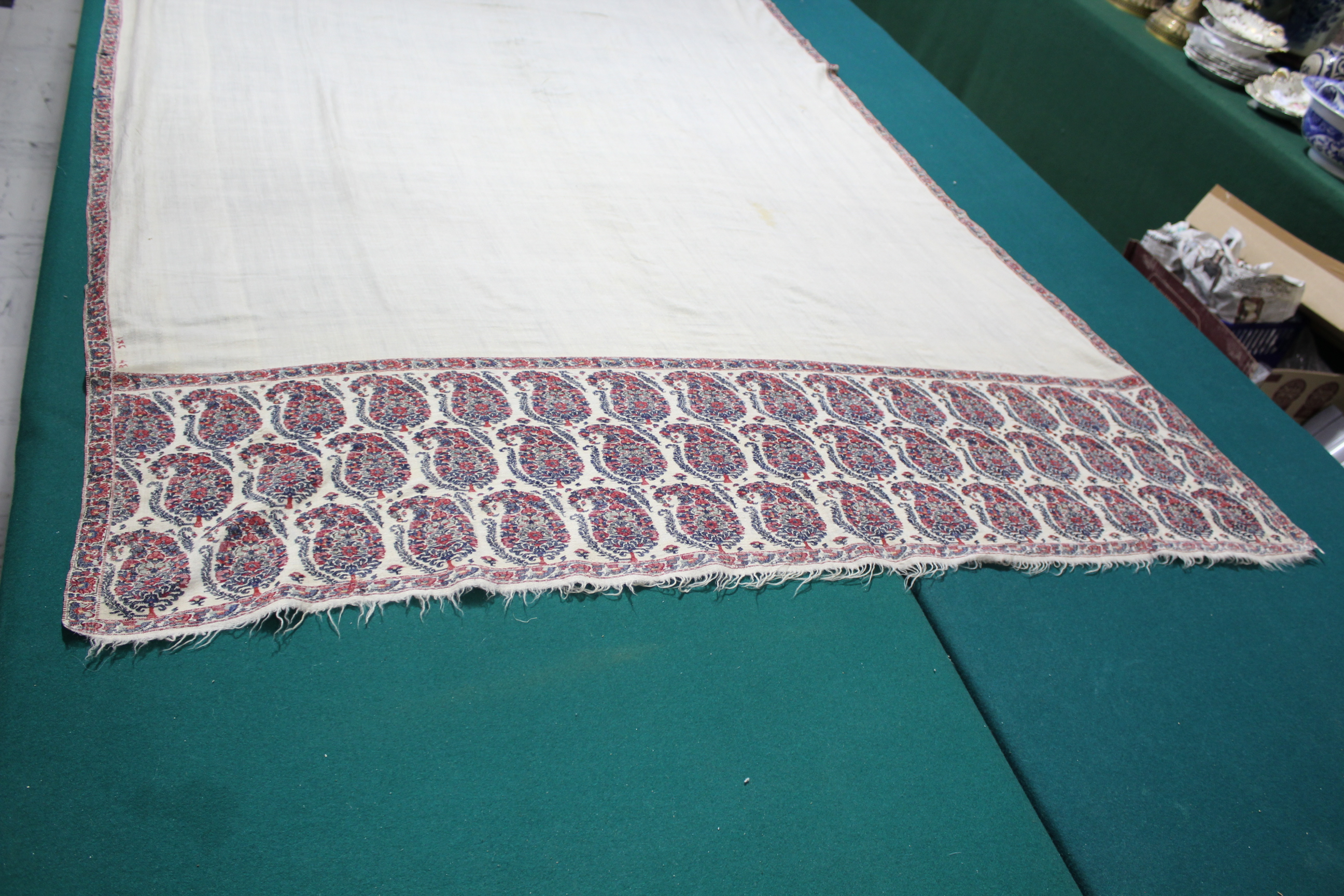 19THC PAISLEY SHAWL a mid 19thc paisley wool cashmere shawl (264cms by 126cms), and also with a fine - Image 4 of 9