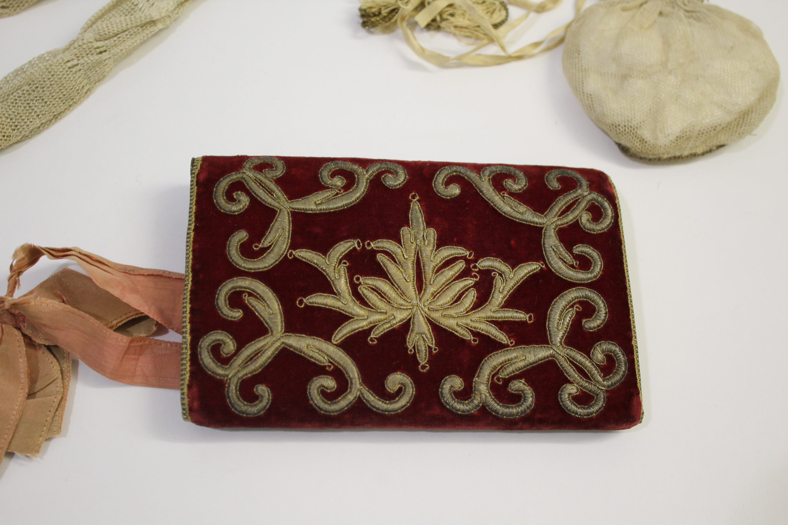 18THC CARD CASE & VINTAGE PURSES a late 18thc dark red velvet card case with metallic thread - Image 4 of 11