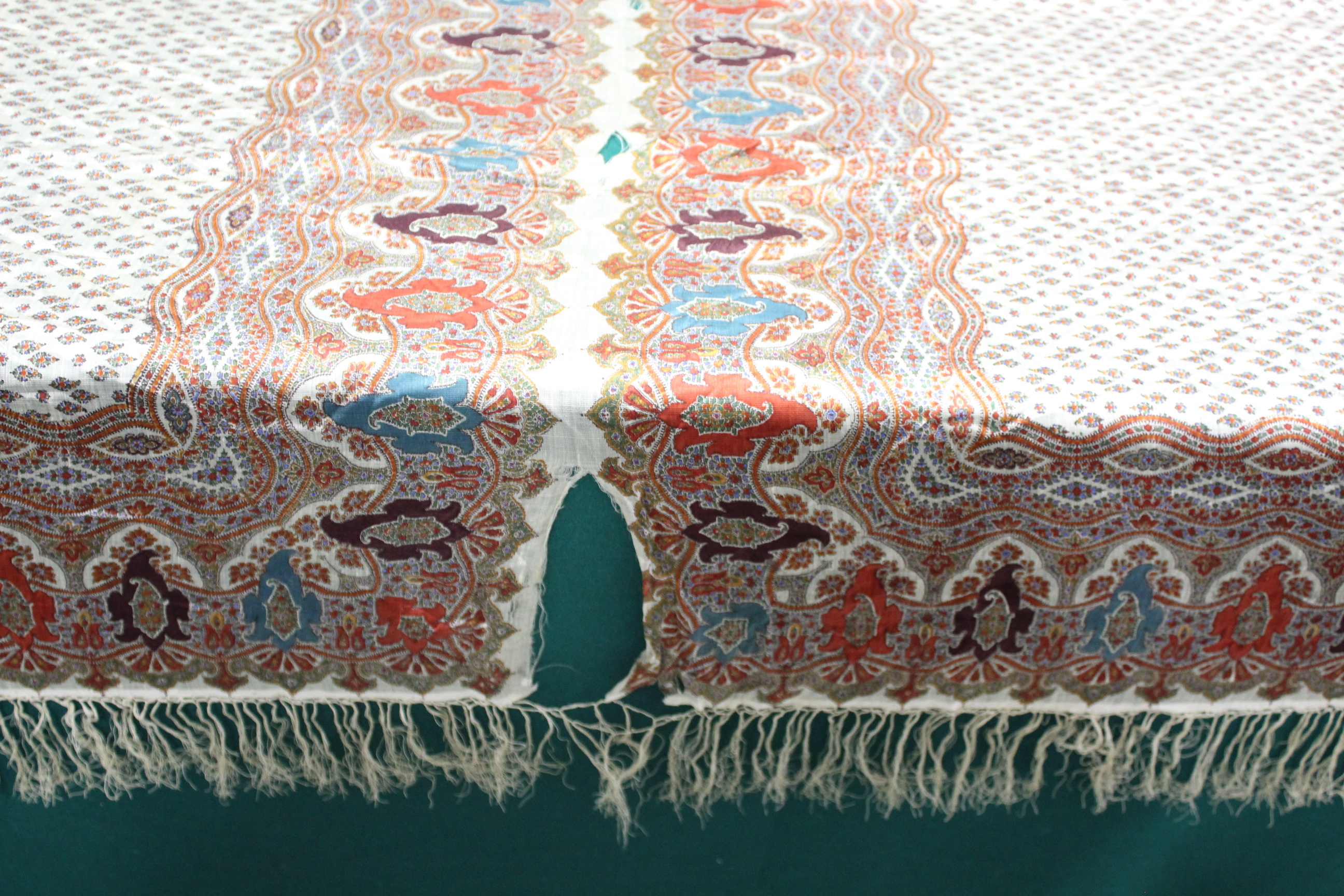 19THC PAISLEY SHAWL a mid 19thc paisley wool cashmere shawl (264cms by 126cms), and also with a fine - Image 7 of 9
