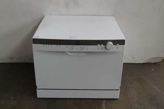 one indesit idc661 table top dishwasher in white rrp 170. Black Bedroom Furniture Sets. Home Design Ideas
