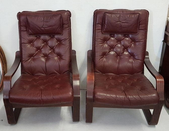 Lot 18 - Matching pair of beech framed 1980s Fireside Chairs, red buttoned seats and backs