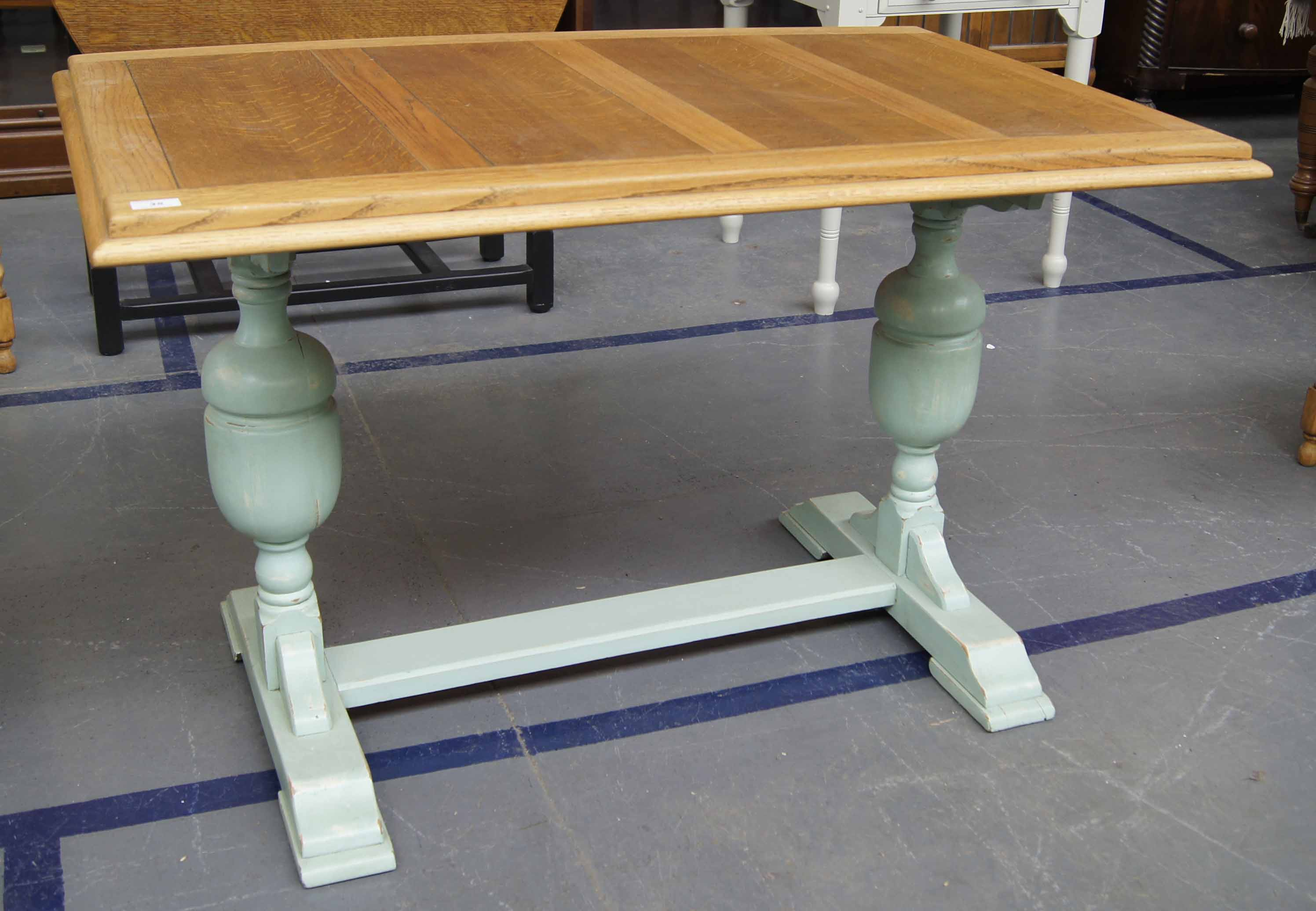 Art deco period oak dining table with painted bulbous for Dining table support