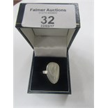 Lot 32 - 925 silver Mother of Pearl ring