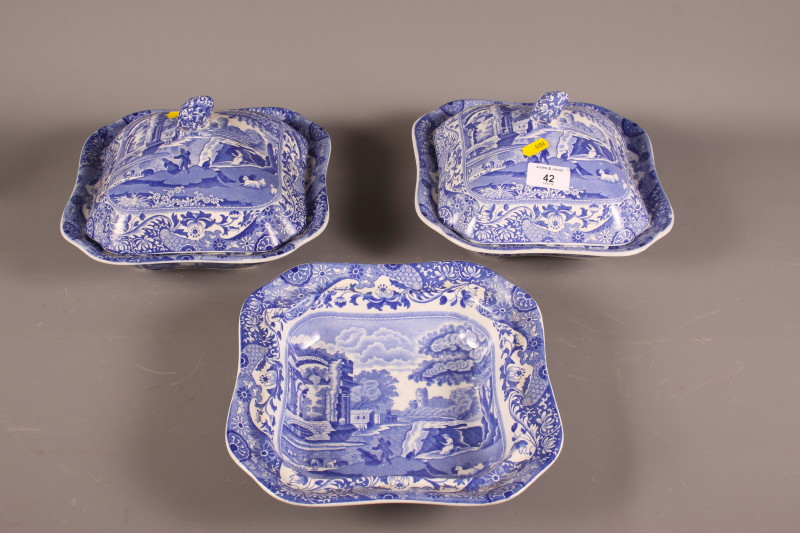 """Lot 42 - A quantity of various blue and white Spode """"Italian"""" dinnerwares"""