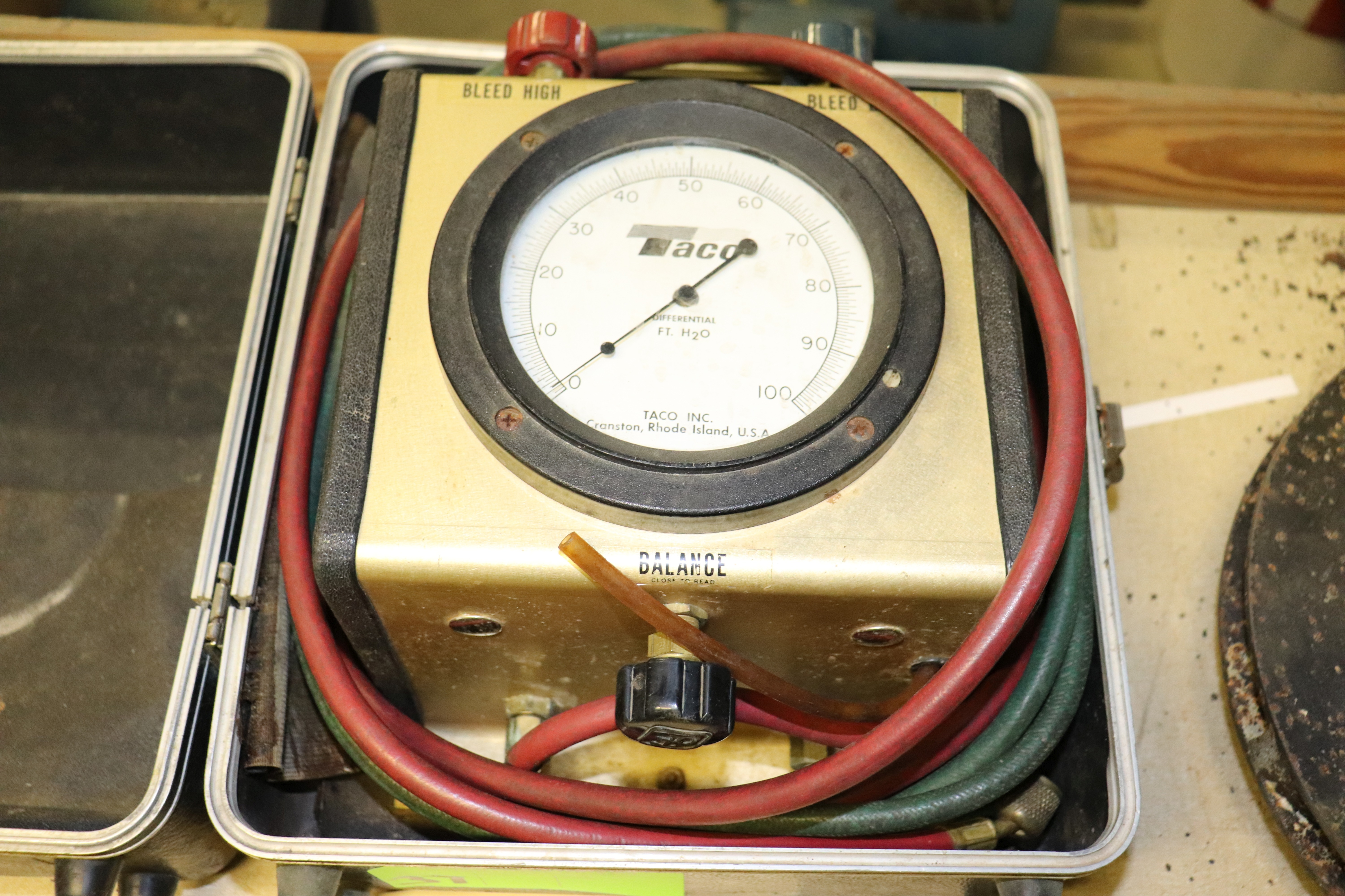 Lot 37 - Taco differential gauge