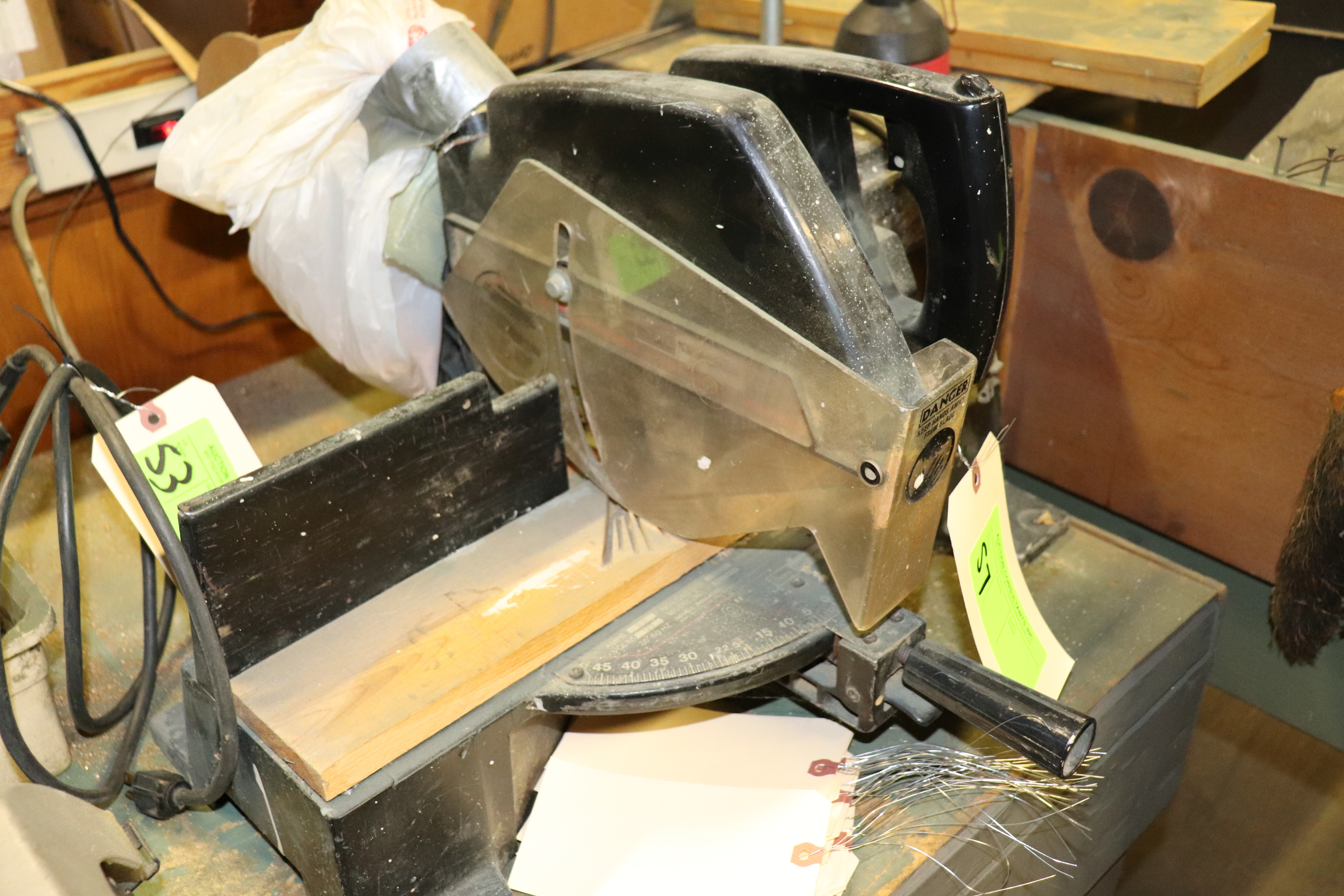 """Lot 57 - Sears Craftsman chop saw with 9"""" blade"""