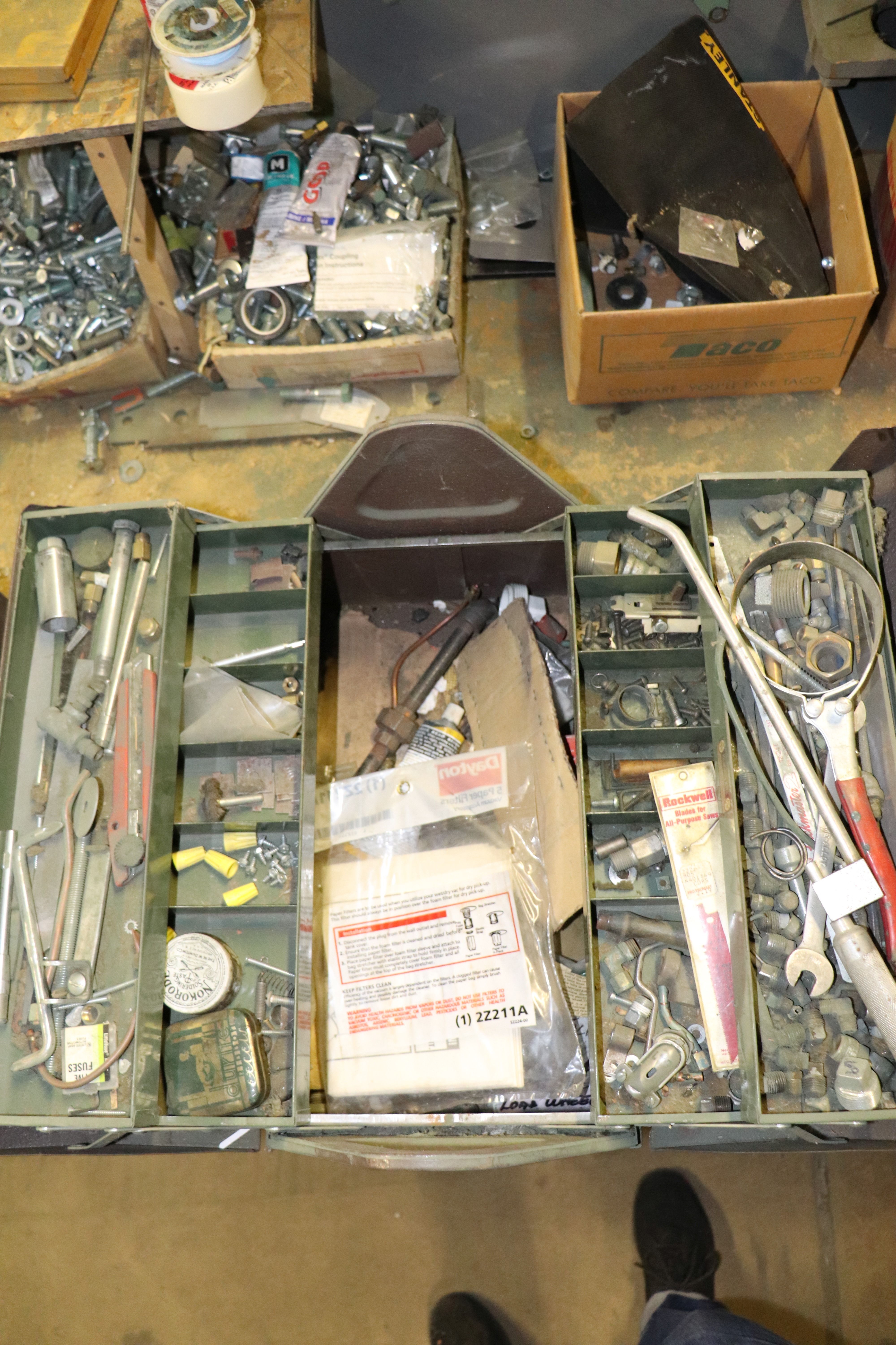 Lot 45 - Toolbox with contents