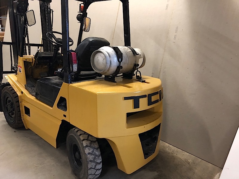 Lot 1 - TCM (FG30) 6,000 LBS CAP OUTDOOR FORKLIFT LPG 2 STAGE (EXCLUDING TANK)