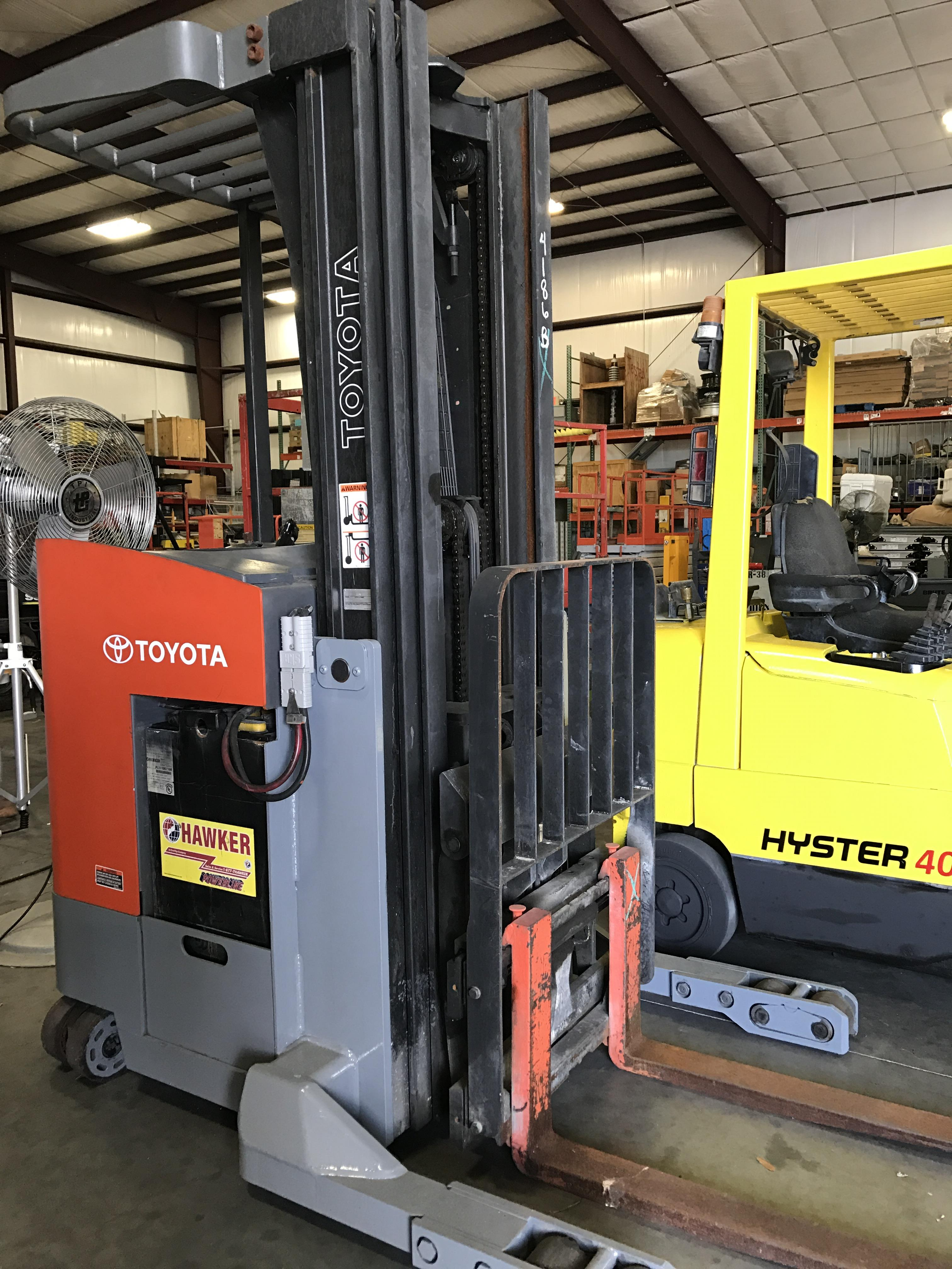 Lot 21 - TOYOTA ELECTRIC FORKLIFT, 36 V, MOD. 7BRU18, 3 STAGE