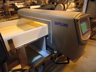 "Safeline Metal Detector, 24""W x 7""T w/ Product"